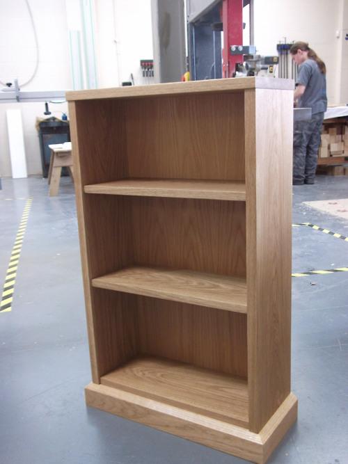 Solid oak bookcase, oak veneered ply back. 980mm high, 600mm…